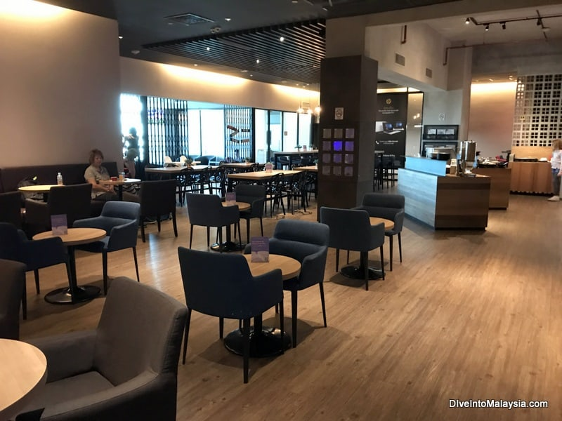 AirAsia Premium Red Lounge Review