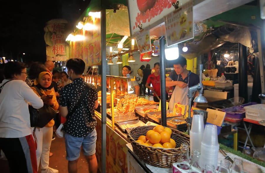 what to do in KL at night Jalan Alor Food Street