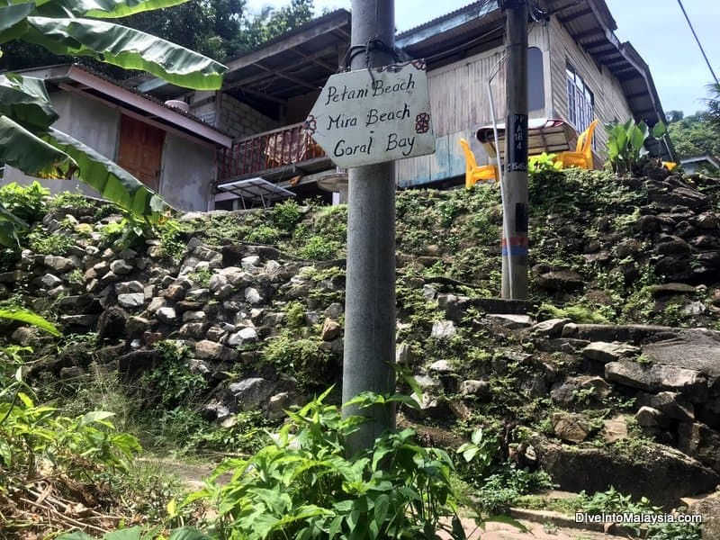 sign to show the start of the Perhentian Island trek from the Village