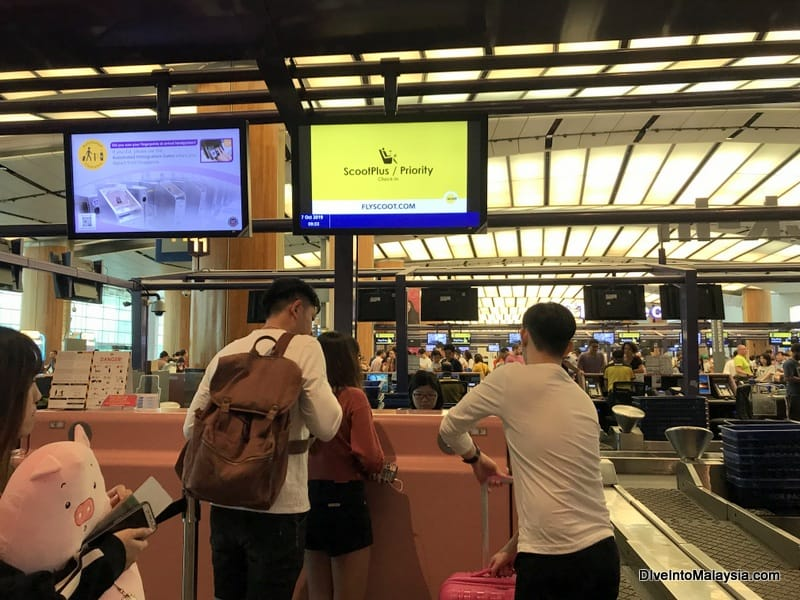 Scoot Plus class counter at Changi Airport