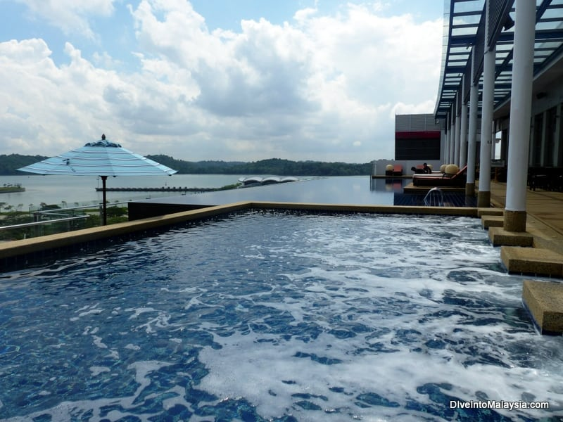 Hotel Jen Puteri Harbour Review